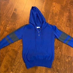 Sweater hoodie small